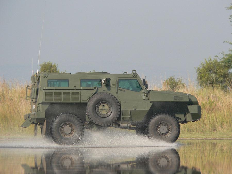 http://cryazone.com/uploads/posts/2011-08/marauder-samyy-zaschischennyy-i-prochnyy-avto-2011-goda-13.jpg
